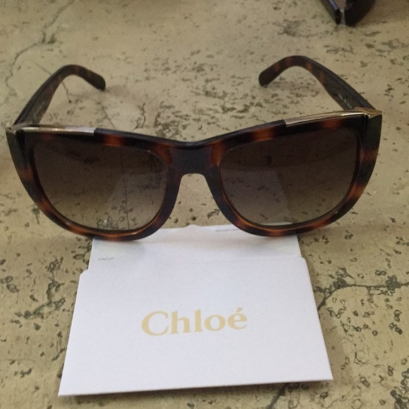 0816047cabeb Chloe sunglasses new in bow with all credentials